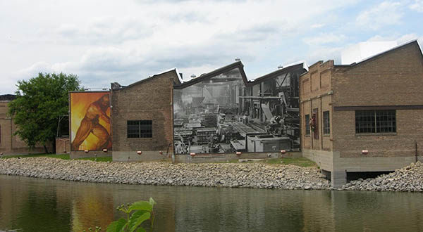 Industrial-themed mural in Beloit, WI.s